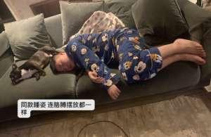 舞刃辅助:Uzi女友晒近期生活照:拼巨型乐高,在家泡澡的他也太享受了!