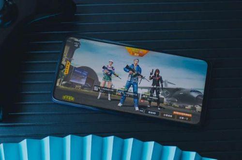 黑松鼠辅助:多款游戏轮番上阵 测试华为畅享Z高素质屏幕究竟有多强