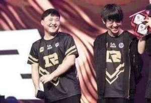 洛克王国最新辅助:小明才是UZI的真爱!UZI面对小明连说三个感谢,网友哭了