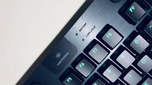 万宝卡盟平台:冠军同款,比有线还快的无线键盘|罗技G913TKL