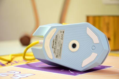 奋斗卡盟:糟糕,是心动的感觉——达尔优EM910冰晶蓝游戏鼠标分享